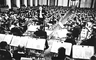 Buổi hòa nhạc bất thường nhất trong lịch sử (Câu chuyện về bản giao hưởng số 7 của Shostakovich, phần cuối)