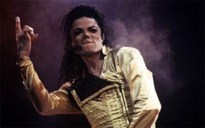 Michael Jackson vẫn kiếm tiền tỉ sau 10 năm qua đời