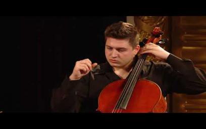 Embedded thumbnail for Đinh Hoài Xuân: Oblivion - Piazzola