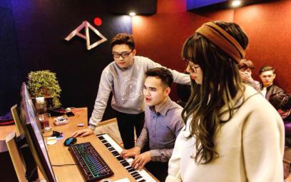Nhà sản xuất âm nhạc thế hệ mới