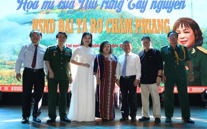 """Chương trình nghệ thuật """"Tiếng hát chim họa mi Tây Nguyên"""" - NSND Rơ Chăm Phiang"""